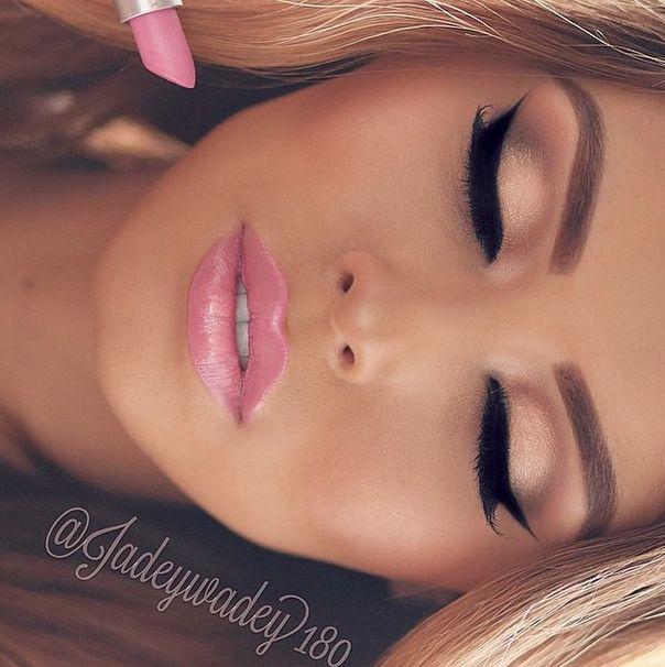 barbie makeup Pinterest // @lifeofmarta123  Twitter // @ TuesdayFtDolans Intagram //  @ marta_espinosa81 Wattpad // @ TheGoddessOfTheStars