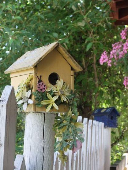 best 25 decorative bird houses ideas on pinterest. Black Bedroom Furniture Sets. Home Design Ideas