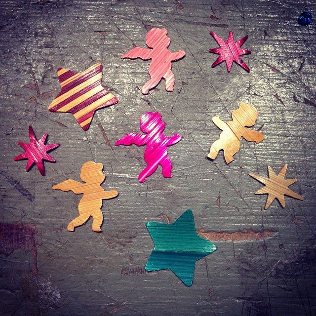 """15 """"Μου αρέσει!"""", 4 σχόλια - Lison de Caunes (@lisondecaunes) στο Instagram: """"On prépare Noël à l'atelier! ⭐️ Christmas preparation at the workshop! 🎄#marqueteriedepaille…"""""""