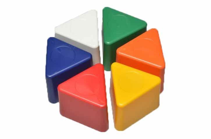 """"""" Visor Block Triangolare senza numeri """"  I blocchi magnetici colorate sono di forma triangolare e dotato di potenti magneti all'interno . basi in gomma per garantire l'adesione al tetto del veicolo. Questi blocchi magnetici sono disponibili senza numeri . Sono ideali per individuare il veicoli in officina, a seconda della zona o dello Stato in cui il lavoro è completo. Per una corretta gestione e riconoscimento del parco auto, il sistema organizzativo interno di ogni off..."""