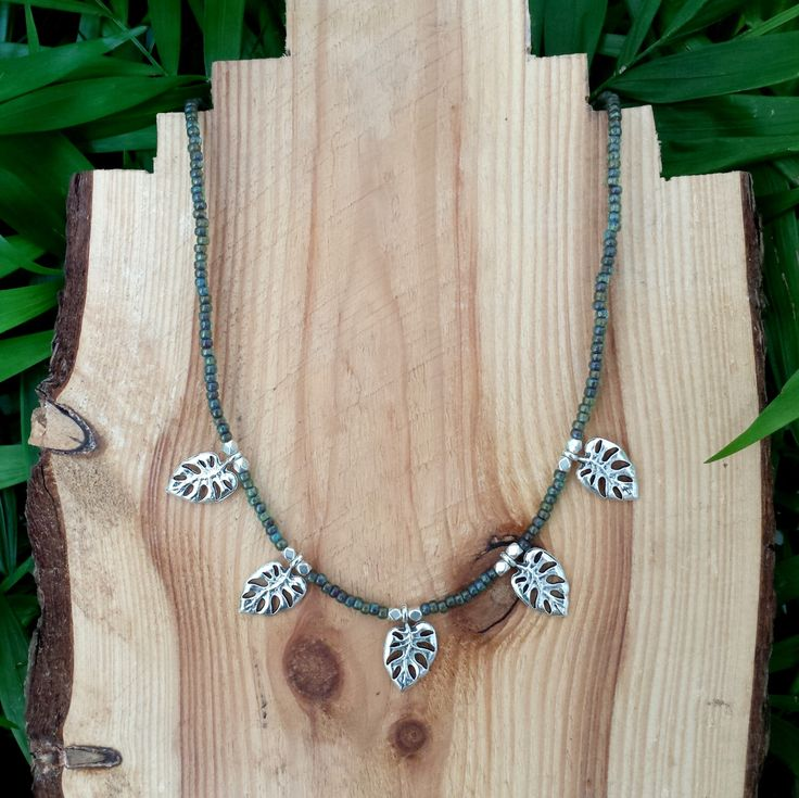 Jungle vibes necklace - Necklace with small green seed beads and monstera deliciosa leaf charms by FlorAccessoires on Etsy https://www.etsy.com/listing/247465046/jungle-vibes-necklace-necklace-with