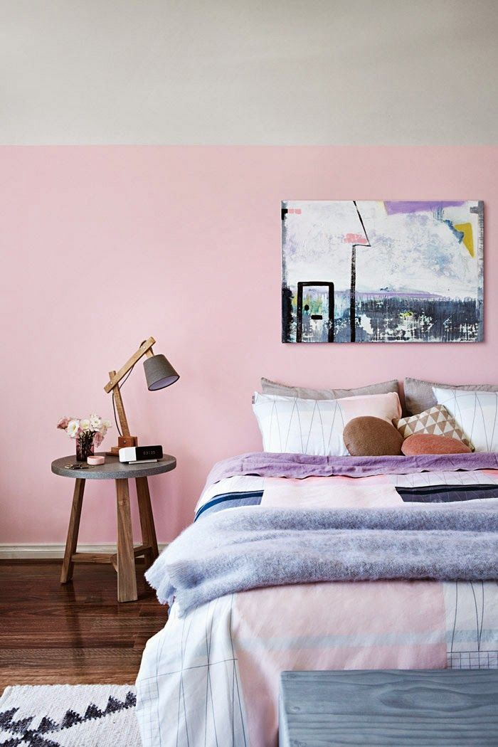 Pink wall. Duvet cover.
