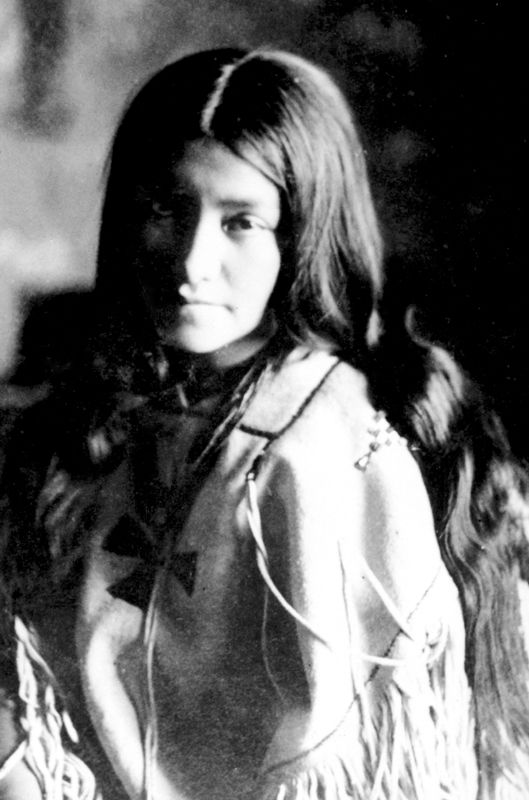 Lenna Geronimo, daughter of Geronimo and his wife Ih-tedda, a Mescalero Apache. Lenna was Bedonkohe-Mescalero.