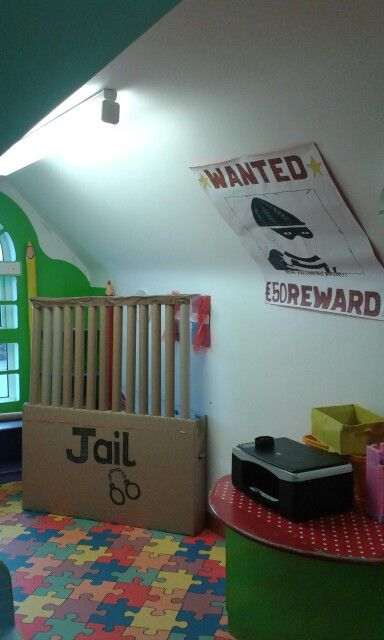 And hey presto, a jail corner.. :)