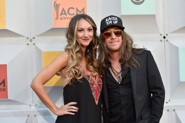 Jaren Johnston and Evyn Mustoe Photos Photos - Singer Jaren Johnston (R) and Evyn Mustoe attend the 51st Academy of Country Music Awards at MGM Grand Garden Arena on April 3, 2016 in Las Vegas, Nevada. - 51st Academy of Country Music Awards - Arrivals