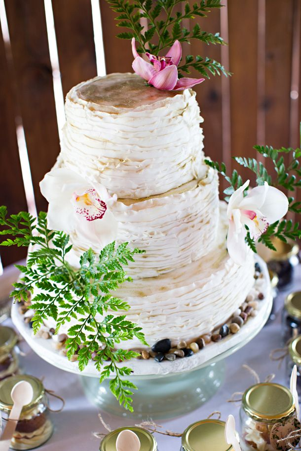 Eco Chic Botanical Wedding at Rosemary Hill by Van der ...
