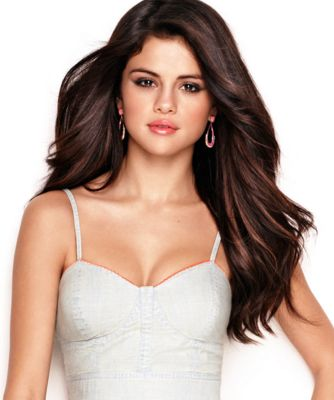 Selena Gomez Wiki, Age, Height, weight, images, video song. Selena Gomez Age, Bra size, Figure size, Body measurements, HD wallpapers, pics, photos, HD pics #selenagomez #Actress #Hollywood #Singer #selenagomezsong