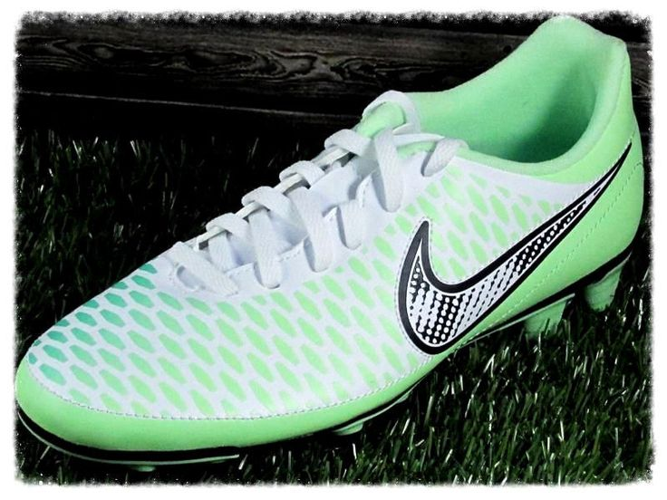 womens indoor soccer shoes nike nike mercurial soccer boots