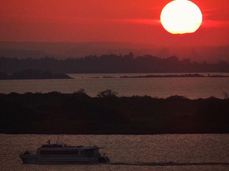 Catamarã  #CatSul #arteemfoco #braznu #cameraemfoco #click_n_share #clupofthephoto #enchanting_sunsets #fotoencantada #galerieclub #ig_today #igerspoa #brazilgram_ #instadozamigos #image_gram #myheartinshots #nature_sultans #respirofotografia #sunset_in_bl #sun_and_beach_sb #sunrise_and_sunsets #worldmastershotz_sunsky #brazilgram_ #loves_siam #brasil_greatshots #world_bestsunset #astralshot #brasilbr55_rs #Brasil_Estrella #concursovivaguaíba #ig_riograndedosul_