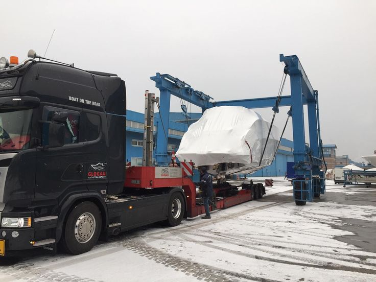 ON THE WAY! Do you recognize the wrapped #AzimutYachts models leaving the #Avigliana shipyard for the Boot Düsseldorf (21-29 Jan)? Boot Düsseldorf yacht list: http://www.azimutyachts.com/boatshow-285.html#boatContent @azimutyachtshk  #HongKong #China #Adventure #privateshow #yachtshow #boatreview