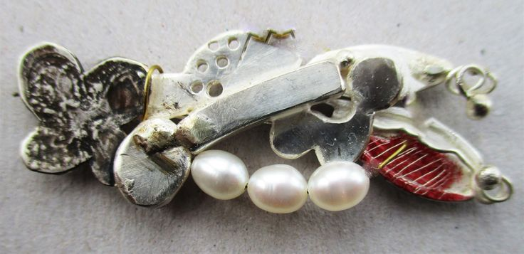 brooch silver gold pearls surface colour Marion Addington