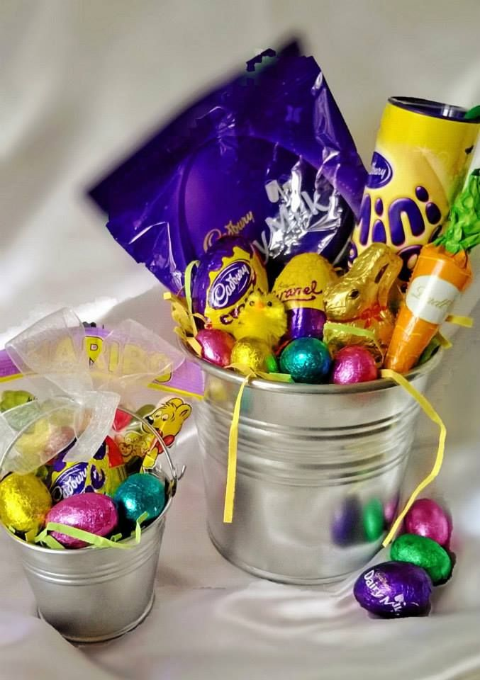 Lovely Pail of Chocolate Goodies #Lindt #Lindor #MiniEggs  #Easter #gifts for all from as little as £1!!   #Baskets #Bunnies #chocolate #sweets #giftbox #buckets #sweetngroovystuff www.facebook.com/sweetngroovystuff