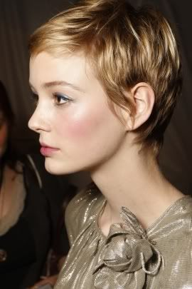 My favourite pixie hair cut so far. Love this. Just not sure I'm brave enough to do it.