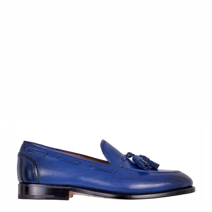 Venta de calzado y accesorios de las mejores marcas de lujo.