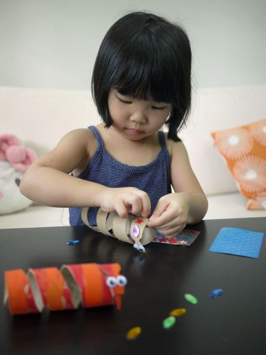 Artesanato para crianças com rolinhos de papel higienico