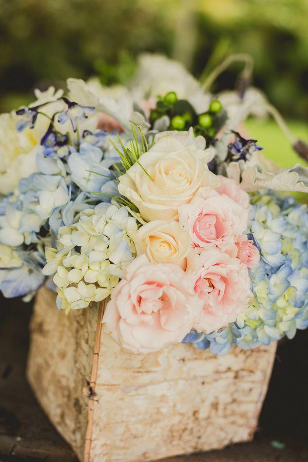 pantone 2016 : rose quartz and serenity wedding floral decoration