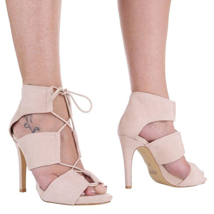 14,99 € - Diese modischen High Heels Sandaletten mit breiten Riemen und raffinierter Schnürung strahlen absolute Eleganz aus.
