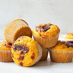 Muffinki dyniowo-pomarańczowe z musem śliwkowym | Kwestia Smaku