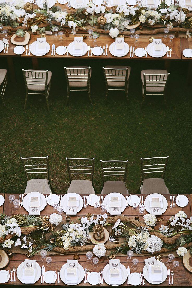 Garden wedding decor of green and earthy tones {Facebook and Instagram: theweddingscoop}