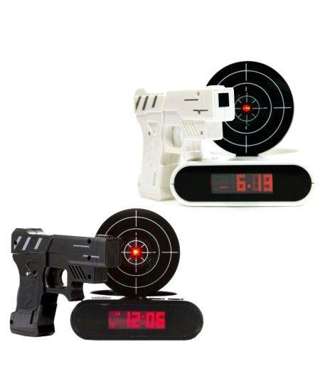 Un ceas desteptator cu tinta si pistol este o solutie pentru a va trezi cu zambetul pe buze si cu mai multa energie - http://goo.gl/kjjrxw
