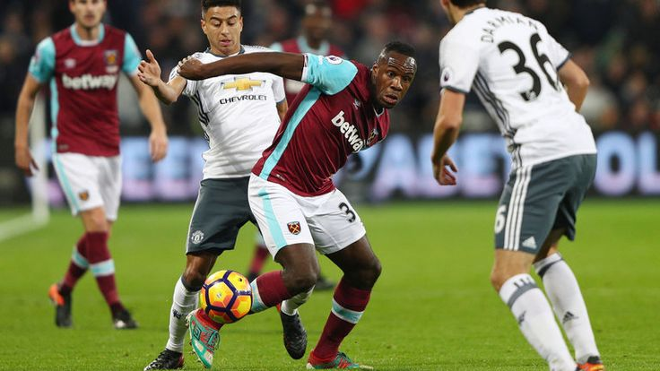 Michail Antonio is closed down by Jesse Lingard