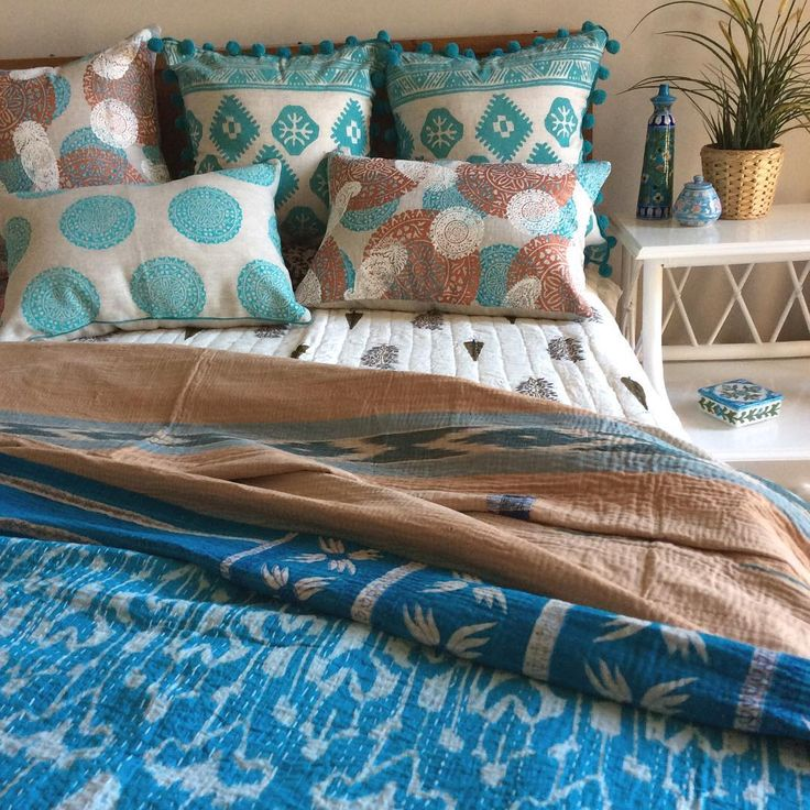 A mix of cooling mints & turquoise for tonight! My multi medallion print is soon going online....hope everyone's had a good start to this week! #homedecor#homewares#decor#bedrooms#throws#bedspreads#shakiraaz#handmadegifts#handprint#blockprints#aqua#mint#turquoise#design#interiors#interiorstyling#interiordesign#designporn#colourinspo#interiorforall#interior123#bohemiandecor#eclecticstyle#bohodecor#madeinmelbournevintage#ikat