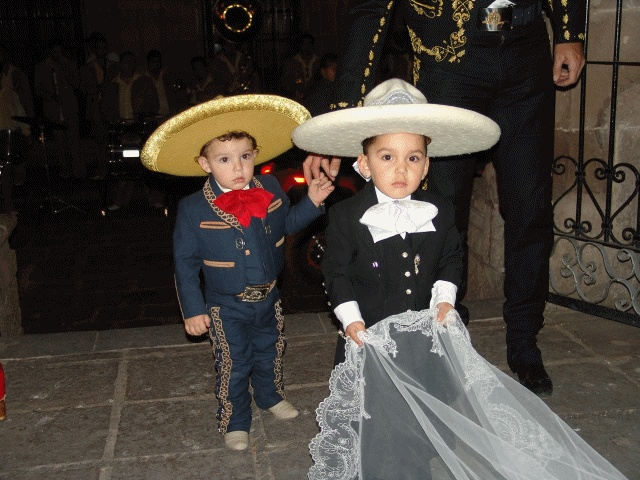 Charro ring bearers how cute are these ring bearers? Do want | Boda Charra | Pinterest | Ring ...