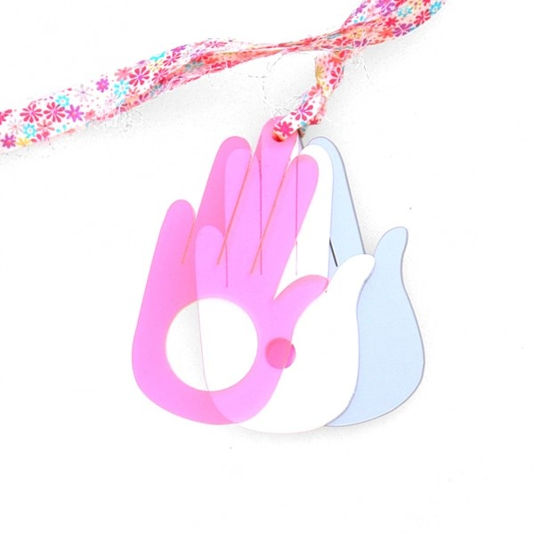 "k-boo : ""hand"" necklace"