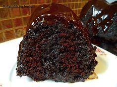 Υπέρ σοκολατένιο σιροπιαστό κέικ νηστίσιμο με επικάλυψη συν Μερέντας ~ ΜΑΓΕΙΡΙΚΗ ΚΑΙ ΣΥΝΤΑΓΕΣ συν ενα πορτοκαλι για να γινει πιο υγρο και ξυσμα πορτοκαλιου