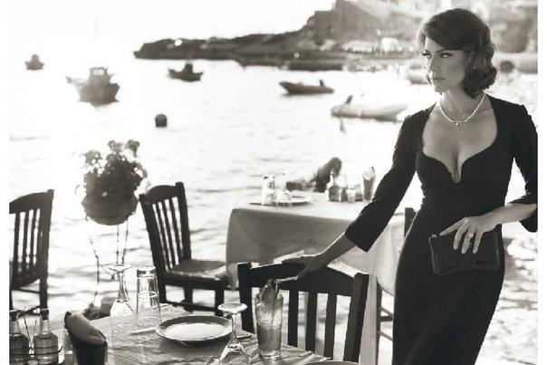 Raluca in Santorini...calendar Geta Voinea