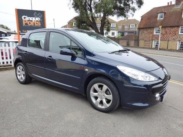2007 (57) Peugeot 307 1.6 HDi 90 S For Sale In Rye, East Sussex - Image 2
