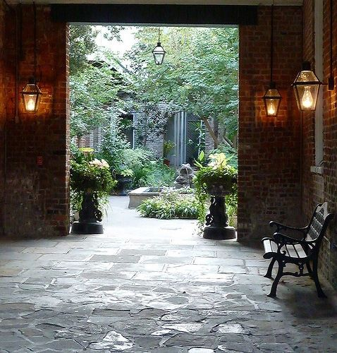 courtyard in New Orleans. Repinned by www.claudiadeyongdesigns.com and at www.thegardenspot.co.uk