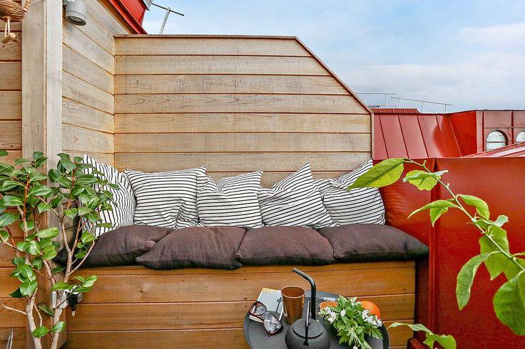 Läshörna på balkongen – Husligheter