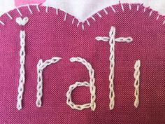 Cómo bordar nombre a mano para personalizar tus proyectos - http://www.manualidadeson.com/como-bordar-nombre-a-mano-para-personalizar-tus-proyectos.html