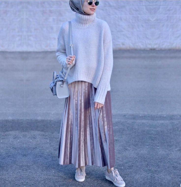 "1,348 Likes, 22 Comments - ELİF DOĞAN (@elifd0gan) on Instagram: ""Lately, i'm really into the skirts & sneakers  #hijabfashion"""
