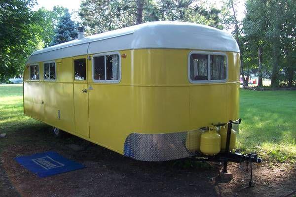 1946 Vagabond - What a beauty! rollinvintage.com