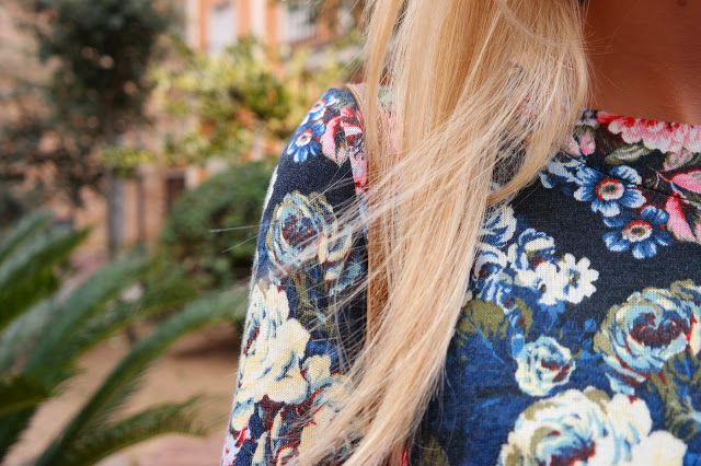 señoretta streetwear señoretta streetwear  #streetwear #fashion #fashionblog #style #styletips #dress #boots #bag #urbanfashion #winter #winterclothes #stylish #woman #womanfashion #floralprint #print #details