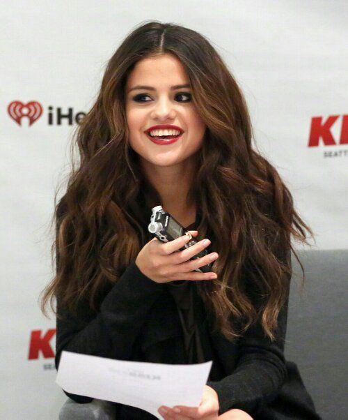 Selena Gomez Hot in Long Hair