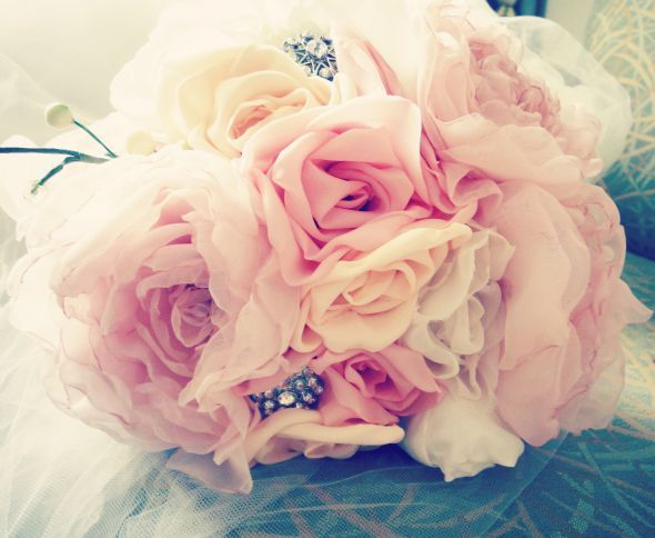 My DIY fabric flower bouquet! :  wedding bouquet diy fabric flowers ivory pink Ramoed1