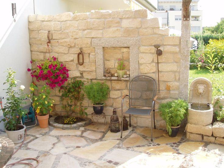 die besten 25 sichtschutzmauer ideen auf pinterest steingarten mauern steinmauer g rten und. Black Bedroom Furniture Sets. Home Design Ideas