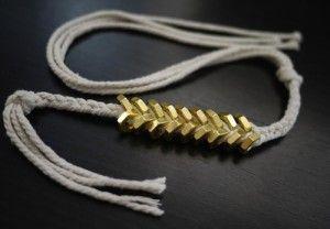 DIY: armband van moertjes