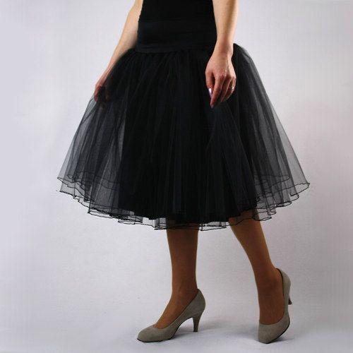 Černá labuť - společenská tylová sukně