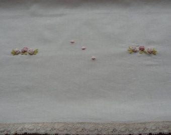 Lenzuolino da culla in batista di cotone. di RaffaellaCittadini