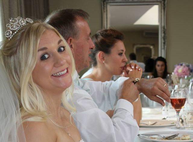 Обманутая невеста не ожидала, что ее объявление о продаже свадебного платья…