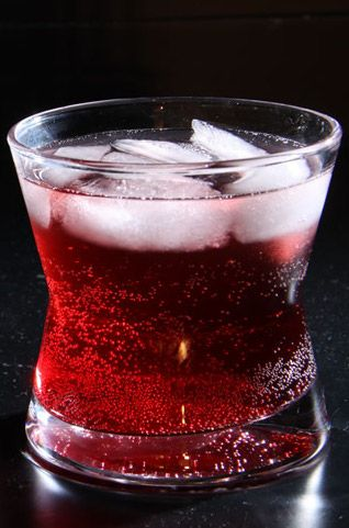 Easy Christmas Mixed Drink - vodka, sparkling water, pomegranate juice