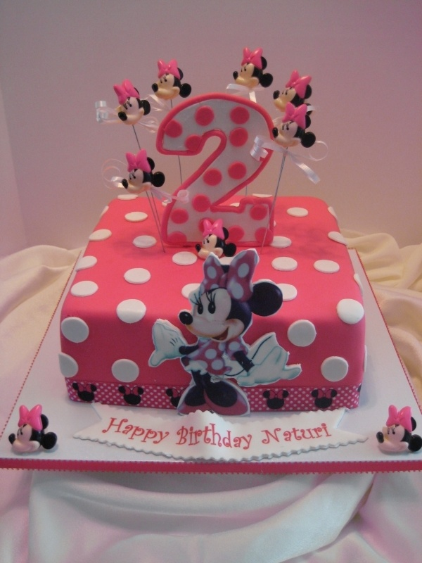 Minnie Mouse Cake without all the heads
