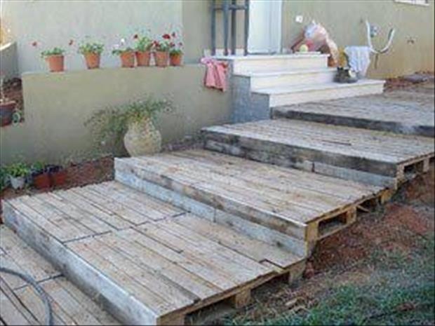 Pallet deck steps