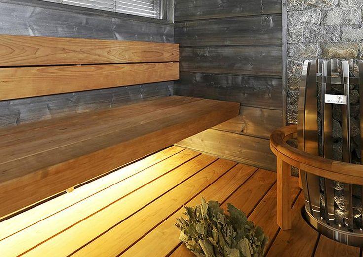 Saunan ja kylpyhuoneen valaistus viimeistelee pesutilojen sisustuksen ja luo tunnelmaa. Lue Meidän Talon vinkit valaistuksen suunnitteluun!