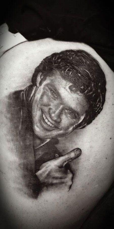 Se tatúa a David Hasselhoff en el culo | Hypeyou!