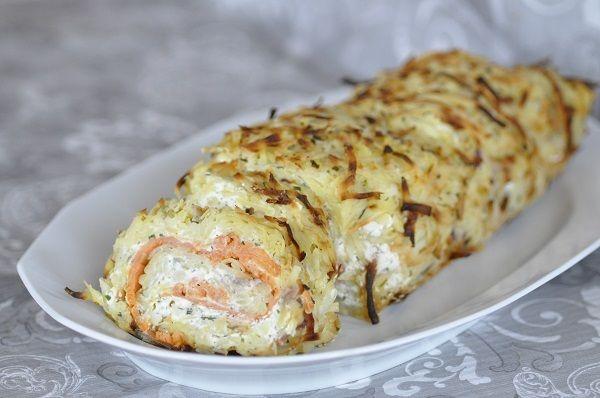 Roulé de pommes de terre au saumon fumé et fromage persillé